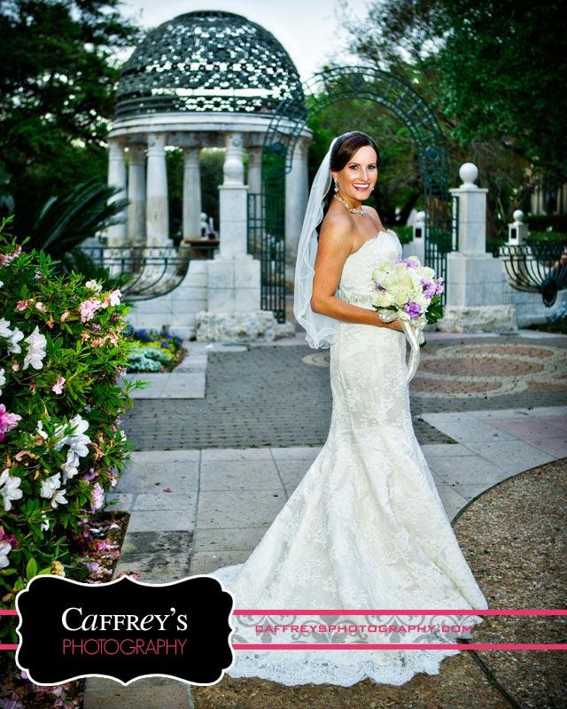 Stunning bride in Bloch Cancer Survivors Park
